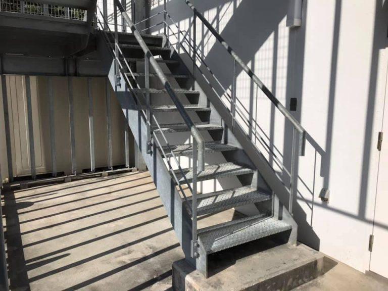 防滑施工事例ポータルサイト静岡県浜松市 非常階段